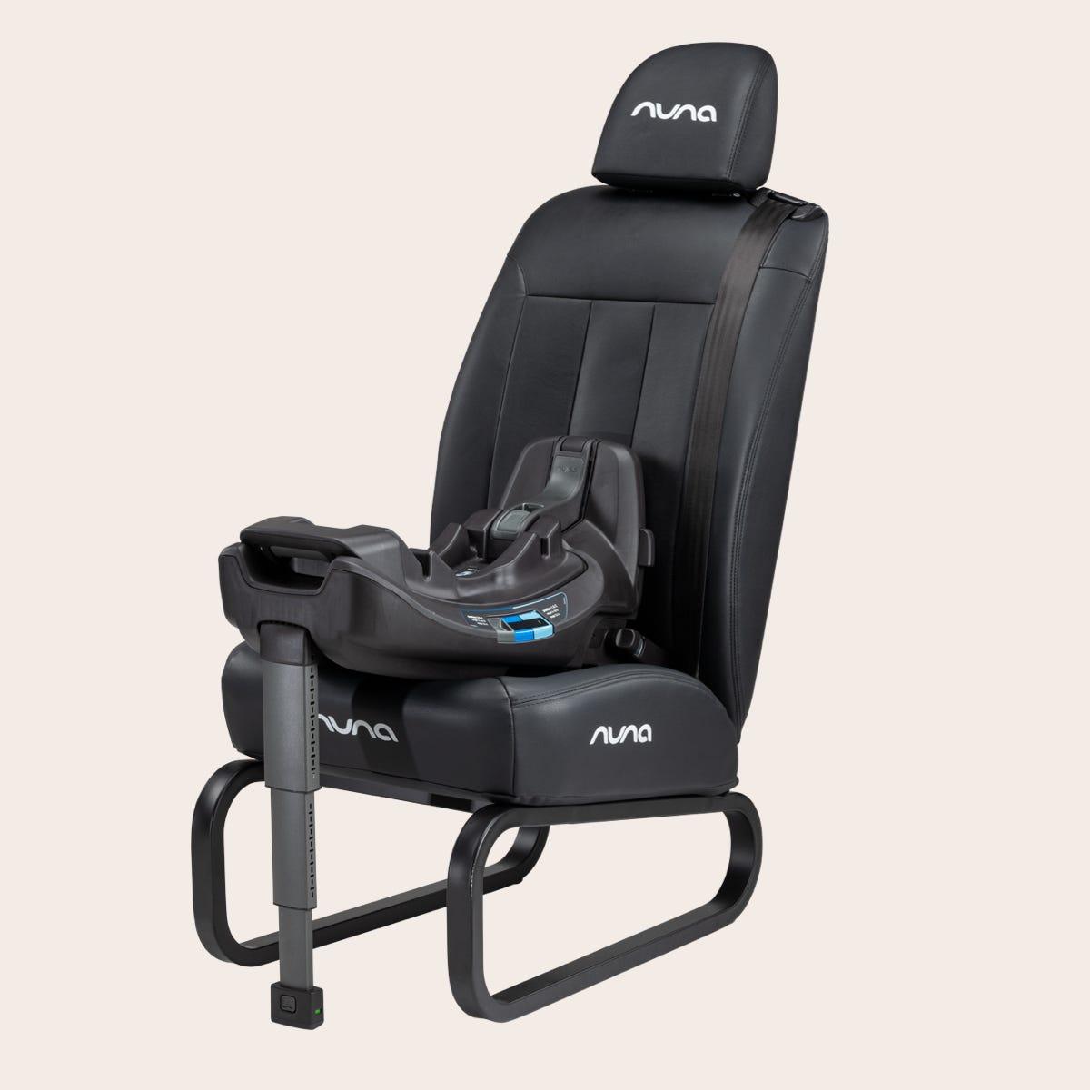 Nuna RELX™ base on chair