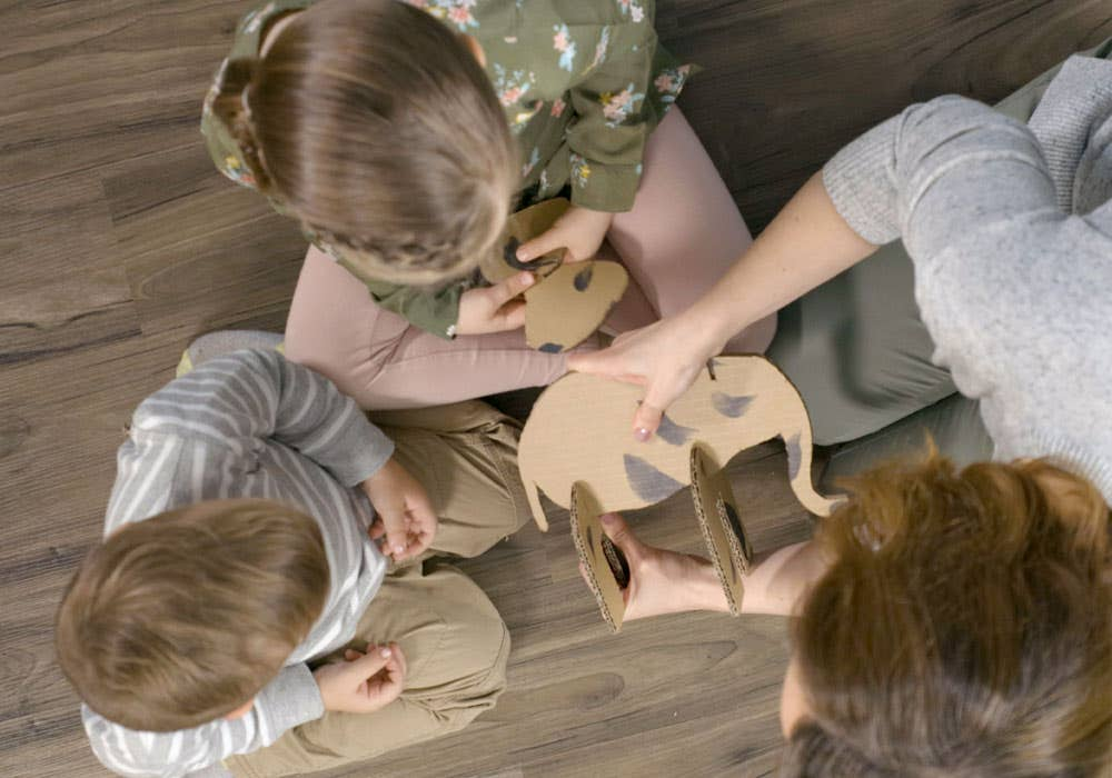 animal cardboard cutout instruction step 5